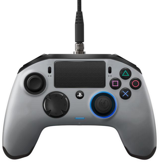 Nacon-Revolution-pro-controller-silver_02