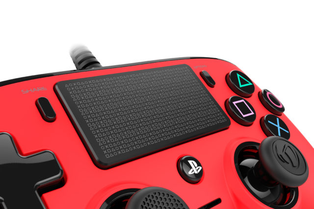 Nacon_PS4-Controller_RED_ZOOM02